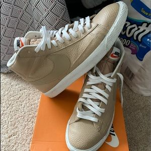 Nike Shoes - Nike Blazer mid prm